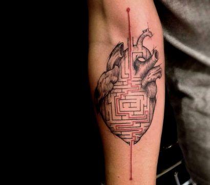 Татуировка в виде лабиринта: значение и варианты рисунка